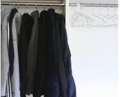 同系色の色の服ばかりのクローゼット-イメージ
